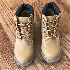 Smiths boy boots